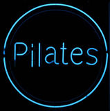 Het Teken van het Neon van Pilates Stock Afbeelding
