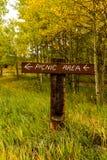 Het teken van het picknickgebied in de bergen Royalty-vrije Stock Foto's
