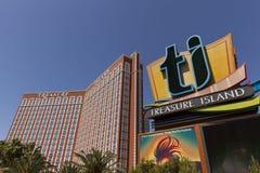 Het teken van het schateiland in Las Vegas, NV op 27 April, 2013 Royalty-vrije Stock Afbeeldingen