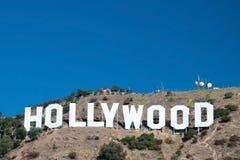 Het teken van Hollywood op de bergen van Monica van de Kerstman in Los Angeles Stock Afbeelding
