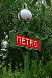 Het teken van Parijs Metropolitain royalty-vrije stock afbeeldingen