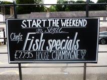 Het tekenbord van het vissen speciaal voedsel Stock Foto