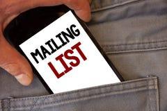Het tekstteken die Adressenlijst Conceptuele foto'snamen en adressen van mensen tonen u gaat iets verzenden royalty-vrije stock foto's