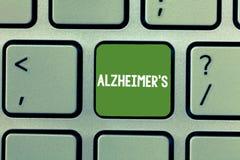 Het tekstteken die Alzheimer s tonen is Conceptuele foto Progressieve geestelijke verslechtering die in middenleeftijd kan voorko stock foto's