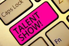 Het tekstteken die Talent tonen toont De conceptuele fotoconcurrentie van entertainers toont het gieten van hun prestatiestoetsen stock illustratie