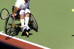 Het Tennis van de Stoel van het wiel voor Gehandicapten (Mensen) Royalty-vrije Stock Foto