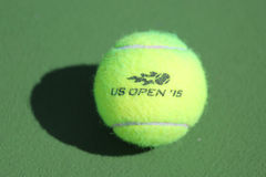 Het tennisbal van US Openwilson in Billie Jean King National Tennis Center in New York Stock Foto's
