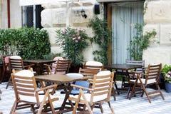 Het terras van de restaurantkoffie stock fotografie