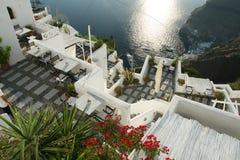 Het terras van het hotel in Santorini Griekenland Stock Afbeelding