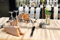 Het terras van het restaurant Stock Foto's