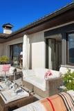 Het terras van Nice van een villa stock fotografie