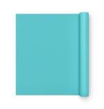 Het teruggeven van blauwe half gerolde yogamat op witte achtergrond Stock Afbeeldingen