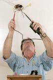 Het Testende Voltage van de elektricien royalty-vrije stock afbeeldingen