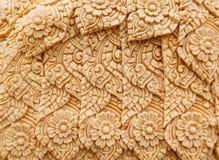 Het Thaise de was van de stijlkaars snijden in het traditionele festival van de kaarsoptocht van Boedha Stock Afbeelding