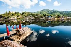 Het Thaise Dorp van verbodsrak stock foto