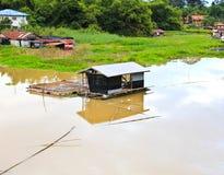 Het Thaise Drijvende Huis van de Stijl Stock Afbeeldingen