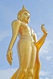 Het Thaise Gouden Standbeeld van Boedha. Het Standbeeld van Boedha in Thailand. Royalty-vrije Stock Foto