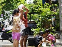 Het Thaise nieuwe jaar van Songkarn - waterfestival Stock Afbeeldingen