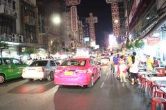 Het Thaise Verkeer, de nacht van Bangkok stock foto