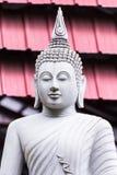 Het Thaise witte standbeeld van Boedha Royalty-vrije Stock Afbeelding