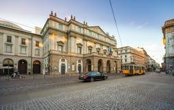 Het theater Scala van Milaan, Italië La Scala het Italiaans: Teatroalla Scala, is een huis van de wereld beroemd opera in Milaan, royalty-vrije stock foto