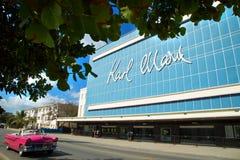 Het theater van Karl marx in Havana in Cuba royalty-vrije stock afbeelding