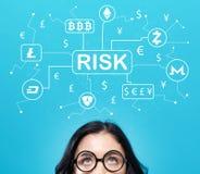 Het thema van het Cryptocurrencyrisico met jonge vrouw Stock Foto's