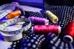 Het thema van handwerk, het naaien, kleermakerij, naaimachine Royalty-vrije Stock Fotografie