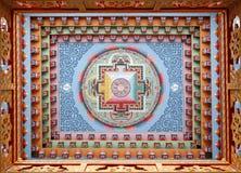Het Tibetan mandala schilderen op monestery Stock Foto