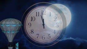 Het tijdinterval is geblokkeerd tussen de ballon en de maan stock footage