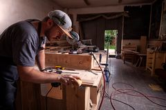 Het timmermanswerk in workshop royalty-vrije stock foto's