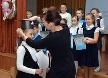 Het toekennen van de winnaars van schoololympiades royalty-vrije stock foto
