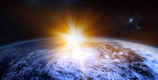 Het toenemen de Zon achter de Planeet de Schoonheid van Ruimteexploratie bedriegt Royalty-vrije Stock Afbeeldingen