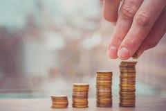 Het toenemen grafiek van muntstukken wordt gemaakt dat Stock Fotografie