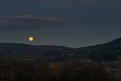 Het toenemen Volle maan Stock Afbeeldingen