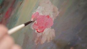 Het toepassen van Olieverven op Abstract Canvas stock video