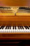Het Toetsenbord en de Binnenkant van de piano royalty-vrije stock afbeeldingen