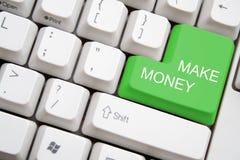 Het toetsenbord met groen MAAKT de knoop van het GELD Royalty-vrije Stock Foto's