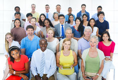 Het toevallige Concept van het de Overeenkomstpubliek van Groeps Diverse Mensen Sociale Stock Afbeelding