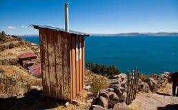 Het toilet van het Eiland van Taquile Stock Afbeelding