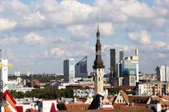 24-27 08 2016 het Toneelpanorama van de de zomer mooie luchthorizon van de Oude Stad in Tallinn, Estland Royalty-vrije Stock Foto's