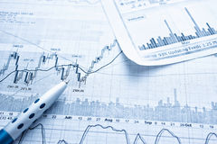 Het tonen van bedrijfsrapportconcept Stock Fotografie