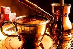Het traditionele dienen van Turkse koffie Royalty-vrije Stock Afbeelding