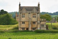 Het traditionele Huis van het Dorp van de Steen Middeleeuwse Engelse royalty-vrije stock afbeeldingen