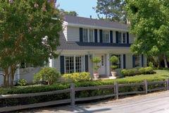 Het traditionele Huis van Twee Verhaal Royalty-vrije Stock Foto's