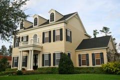 Het Traditionele Huis van Upscale Royalty-vrije Stock Foto's