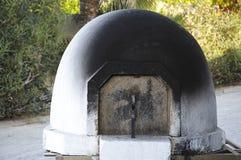 Het traditionele overkoepelde houten brandende fornuis van Cyprus Stock Foto