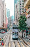Het tramspoorvervoer is populair in Hong Kong Slechts verstrekt het netwerk van de tramspoorweg vervoer langs Hong Kong Island Royalty-vrije Stock Afbeelding