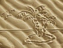 Het trekken op zand - klein eiland stock fotografie