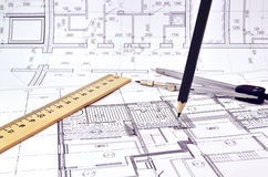 Het trekken van een vloerplan van het gebouw Stock Foto's